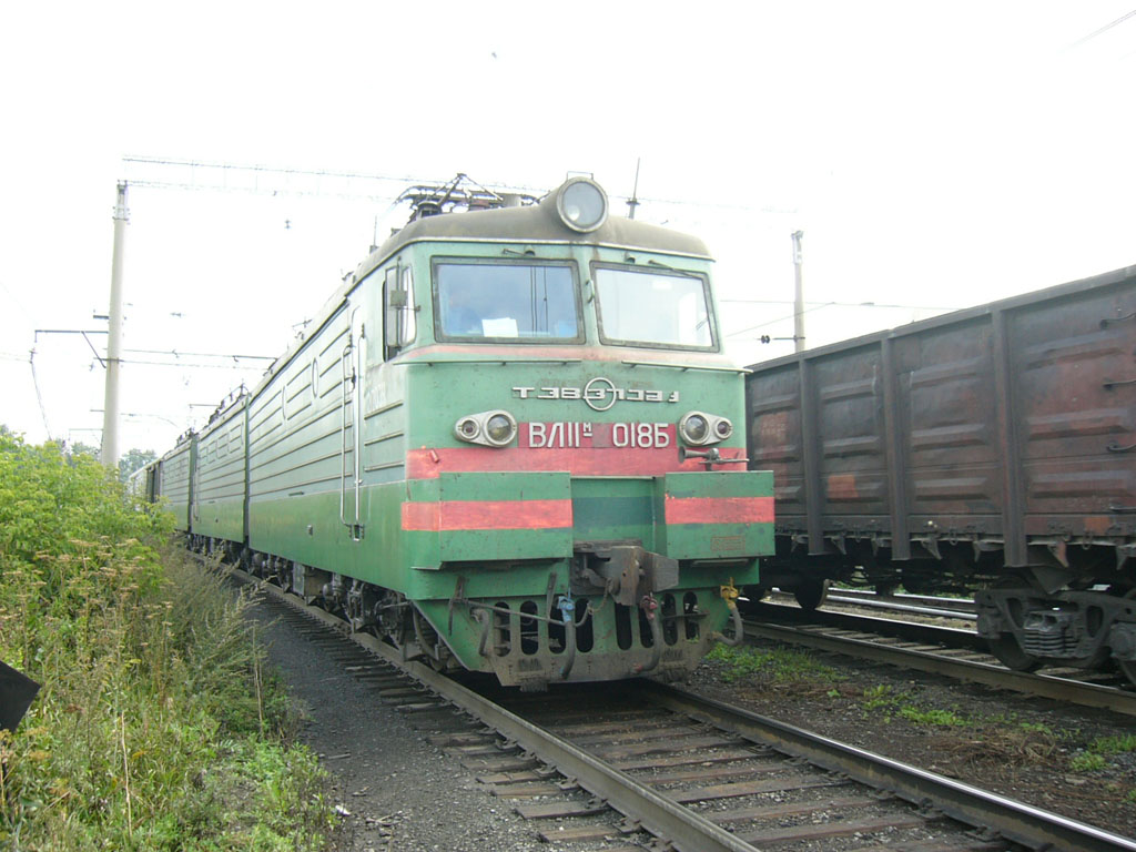 ВЛ. Электровоз ВЛ11м-2018 на ст. Свердловск-Сортировочный.